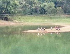 Kéo dây cáp qua hồ, người đàn ông bị đuối nước tử vong