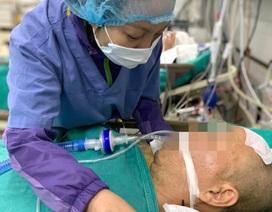 Xúc động giây phút vợ tiễn biệt chồng khi quyết định hiến tạng