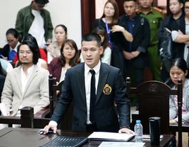 Bất ngờ dừng phiên xử vụ Tuần Châu Hà Nội kiện đạo diễn Việt Tú