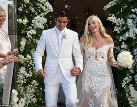 Siêu mẫu nội y Devon Windsor đã kết hôn