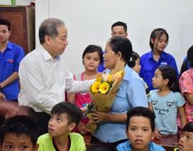 Chủ tịch tỉnh Thừa Thiên Huế thăm giáo viên lớp học tình thương