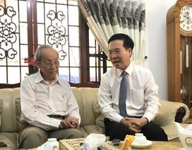 Ông Võ Văn Thưởng thăm hỏi nguyên Bộ trưởng Bộ GD-ĐT nhân ngày 20/11