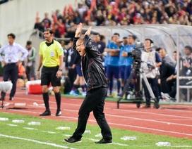"""90 phút """"điên đầu"""" đối phó Thái Lan của HLV Park Hang Seo tại Mỹ Đình"""