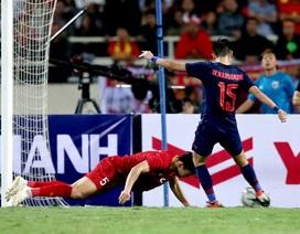 Khoảnh khắc lăn xả cứu thua cho đội tuyển Việt Nam của Văn Hậu