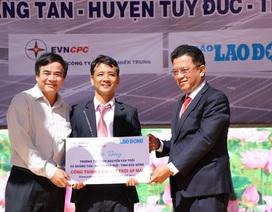 Trao tặng công trình điện mặt trời áp mái cho trường học vùng cao