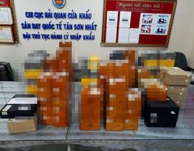 Nam hành khách cất hơn 2.000 điếu xì gà trong 3 valy nhập cảnh Việt Nam