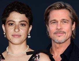 Brad Pitt bị phát hiện hò hẹn với nữ diễn viên kém 25 tuổi