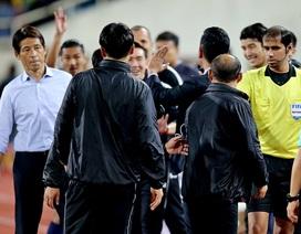 Đồng đội của Văn Lâm tham gia đấu khẩu với HLV Park Hang Seo