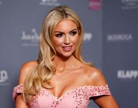 Hoa hậu thế giới có con nhờ người mang thai hộ
