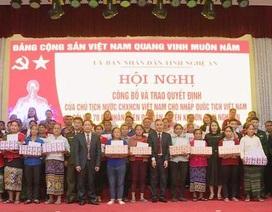 70 công dân Lào nhập quốc tịch Việt Nam