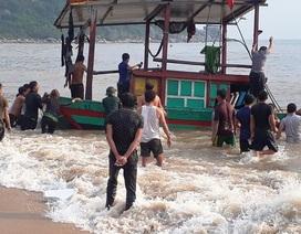 Kịp thời cứu 3 ngư dân gặp nạn trên biển