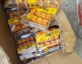 Bắt xe tải chở gần 1 tấn bánh Trung Quốc nhập lậu bán cho học sinh