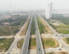 Tiếp tục xén dải phân cách, mở rộng đường gom Đại lộ Thăng Long