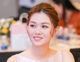 Tường San rạng rỡ xuất hiện sau thành tích Top 8 Hoa hậu Quốc tế
