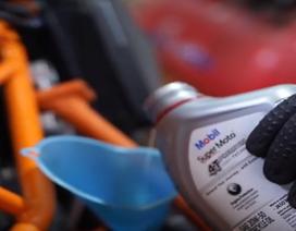 Dầu động cơ là gì và tác dụng đối với xe máy của bạn