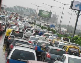 Ô nhiễm không khí nặng, thủ đô New Delhi của Ấn Độ hạn chế xe ra đường