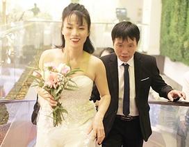 Xúc động đám cưới tập thể của 21 cặp đôi khiếm thị tại Hà Nội