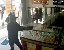Công an TPHCM thông tin chính thức vụ nổ súng cướp tiệm vàng
