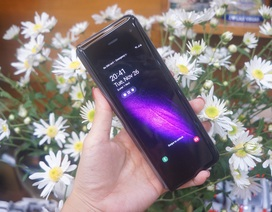 Trên tay siêu phẩm Galaxy Fold giá 50 triệu đồng tại Việt Nam
