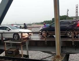 Hà Nội: Xử phạt tài xế lái ô tô đi ngược chiều trên cầu Đuống