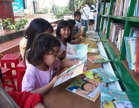 """Niềm vui của học trò vùng sâu khi đón """"thư viện về buôn"""""""