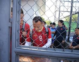 Cả đội U22 Việt Nam phải ký tên mới được vào sân tập