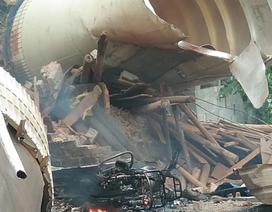 """Video """"mưa"""" mảnh vỡ tên lửa Trung Quốc rơi nát nhà dân"""