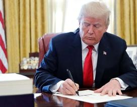 Ông Trump ký dự luật về Hong Kong bất chấp Trung Quốc phản đối