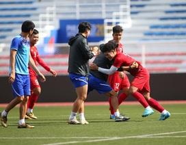 HLV Park Hang Seo dạy trung vệ U22 Việt Nam cách khoá tiền đạo Indonesia