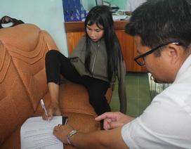 """Nữ sinh người dân tộc Banar """"vẽ tương lai"""" bằng đôi chân trần được bạn đọc giúp đỡ 28 triệu đồng"""