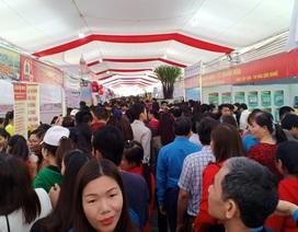Khoảng 7.000 công nhân dự Ngày hội công nhân - Phiên chợ nghĩa tình