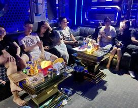 """Phát hiện 10 khách Trung Quốc """"phê"""" ma tuý trong quán karaoke ở Đà Nẵng"""