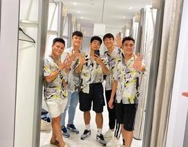 Tuyển thủ U22 Việt Nam đi săn đồ Black Friday ở Manila