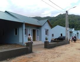 Bản làng vùng biên từng bị lũ cuốn trôi đã có khu tái định cư đẹp như tranh