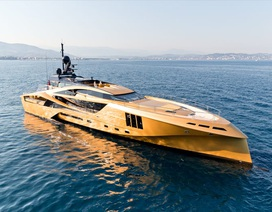 """Chiêm ngưỡng """"siêu du thuyền"""" carbon dát vàng đầu tiên trên thế giới"""