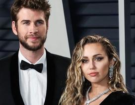 Hậu chia tay, Miley Cyrus và Liam Hemsworth đón kỳ nghỉ lễ quá khác biệt