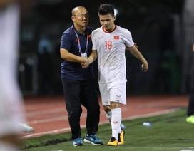 HLV Park Hang Seo lo lắng khi phải thay Quang Hải do chấn thương