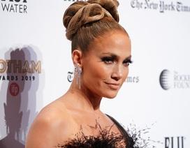 Jennifer Lopez đẹp kiêu sa và lộng lẫy