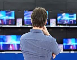 """Tại sao TV màn hình lớn liên tục giảm giá, có phải """"hàng ế""""?"""