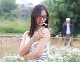"""Du khách hào hứng """"check – in"""" vườn cúc hoạ mi đầu tiên tại Đà Nẵng"""