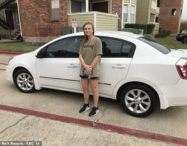 Khách hàng hào phóng tặng xe ô tô cho nữ nhân viên phục vụ