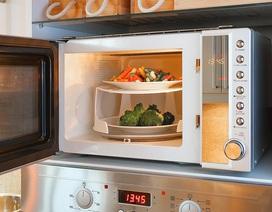 Nướng mực, nấu cơm và những công dụng không ngờ của lò vì sóng