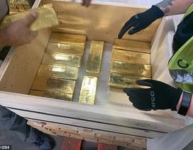 Anh bí mật trao trả 100 tấn vàng trị giá 5,2 tỷ USD cho Ba Lan