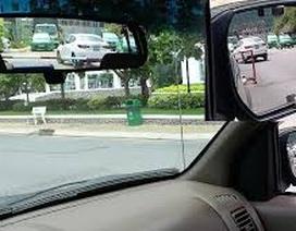 Tài xế gặp nạn hi hữu tử vong khi bám cửa xe chỉnh gương chiếu hậu