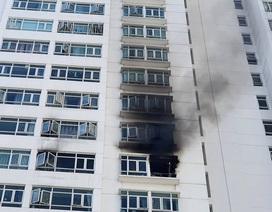 Cháy chung cư ở Sài Gòn, hàng trăm người tháo chạy giữa trưa