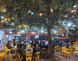Đổ xô đi cổ vũ U22 Việt Nam: Hàng quán đông nghịt, hết hiệp 1 vẫn chưa có đồ ăn