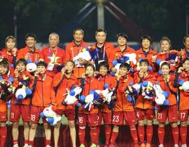 Đội tuyển nữ chúc U22 Việt Nam giành HCV SEA Games