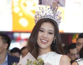 Hoa hậu Hoàn vũ Việt Nam Khánh Vân khóc khi được người hâm mộ chào đón