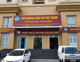 """Giả mạo đại diện của Liên đoàn Luật sư Việt Nam """"ép"""" mua sách"""