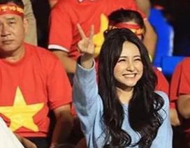 Nữ CĐV xinh đẹp được tìm kiếm sau chung kết bóng đá nam SEA Games 30